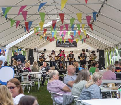 Live music on August Bank Holiday weekend