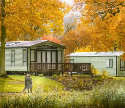 Pearl Lake 5 star caravan holiday park with fishing