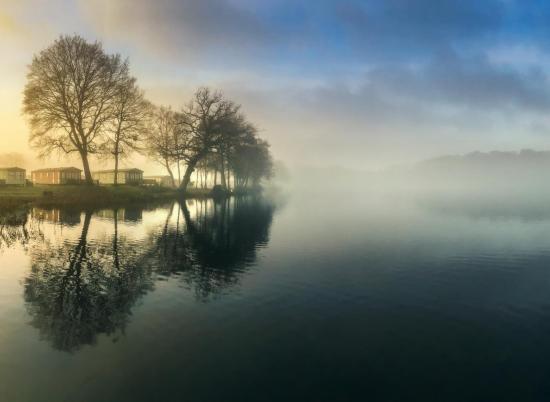 Winter sunrise at Pearl Lake