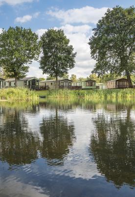 Lake edge holiday homes at Pearl Lake Country Holiday Park, Herefordshire