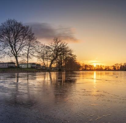 Winter sunset at Pearl Lake