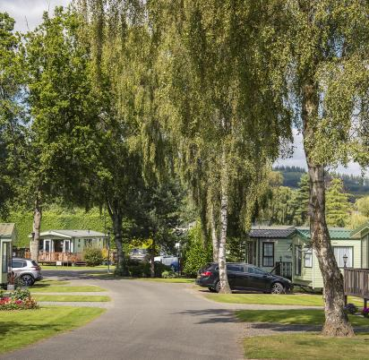 Looking into Pearl Lake Country Holiday Park, Herefordshire